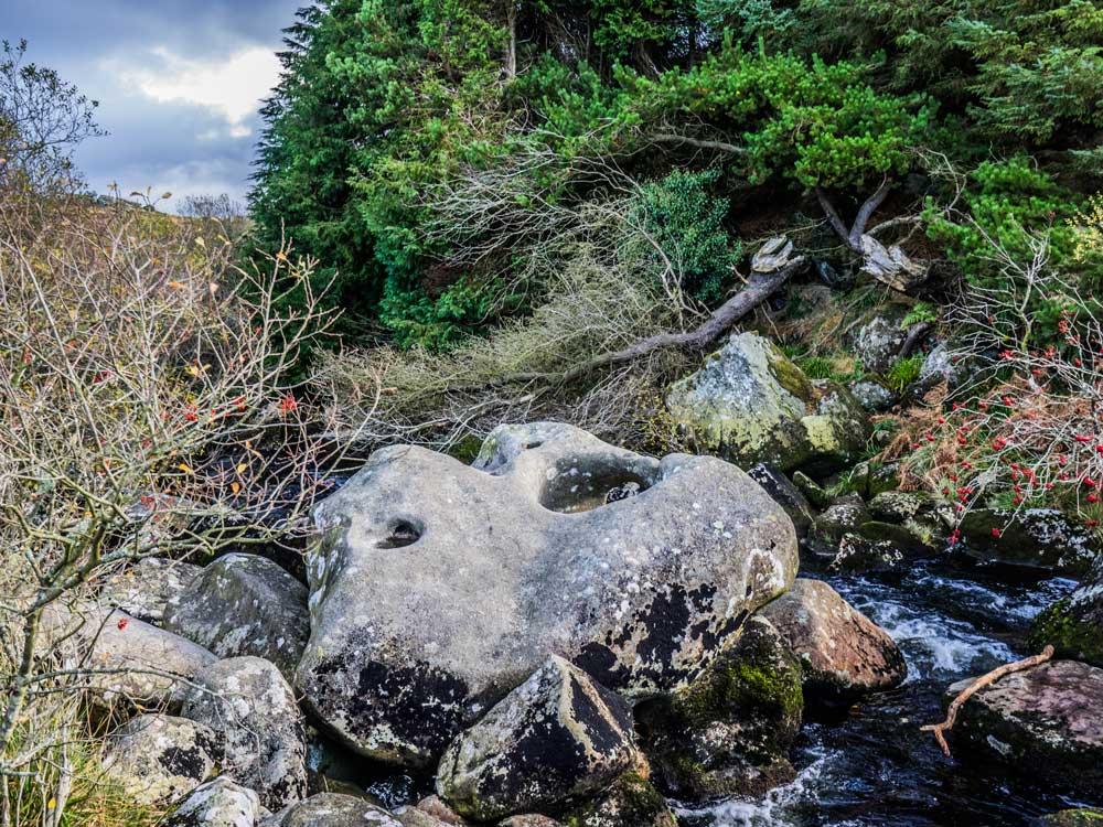 the-teign-tolmen-stone-367-m2