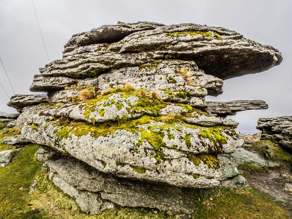 PCWW-Marker,-Granite,-No.18,-1917-Inscription-on-Tor-(516-m)
