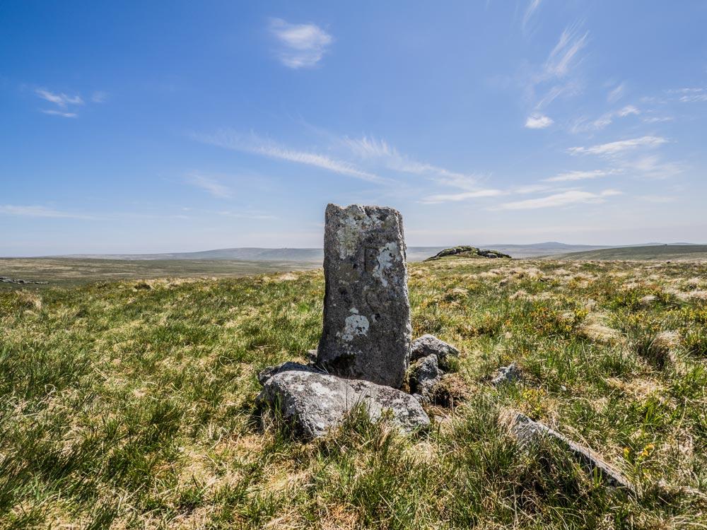 L-BS-Boundary-Stone-(561-m)-SBS-side