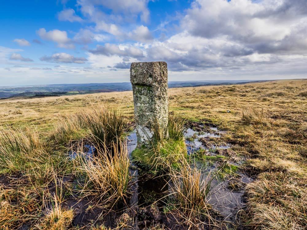 PUDC-Boundary-Stone,-Holne-Moor,-No.33-(405-m)1